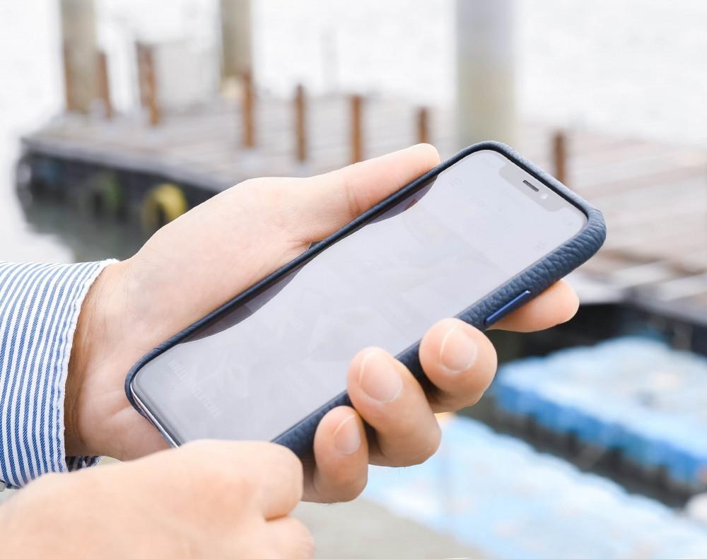 iPhone スリムカバー